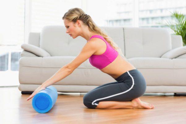 el yoga es uno de los entrenamientos deportivos que puedes hacer en casa con deportes regol