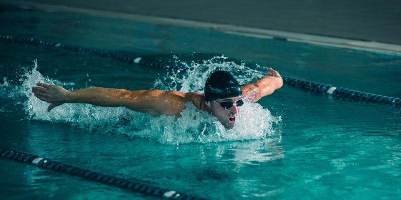 Los deportes como la natación deben incluir el uso de Productos Deportivos